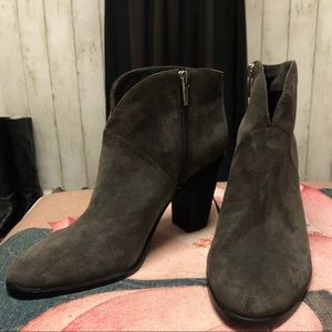 New Vince Camuto Franell Grey Suede Ankle Boot 39